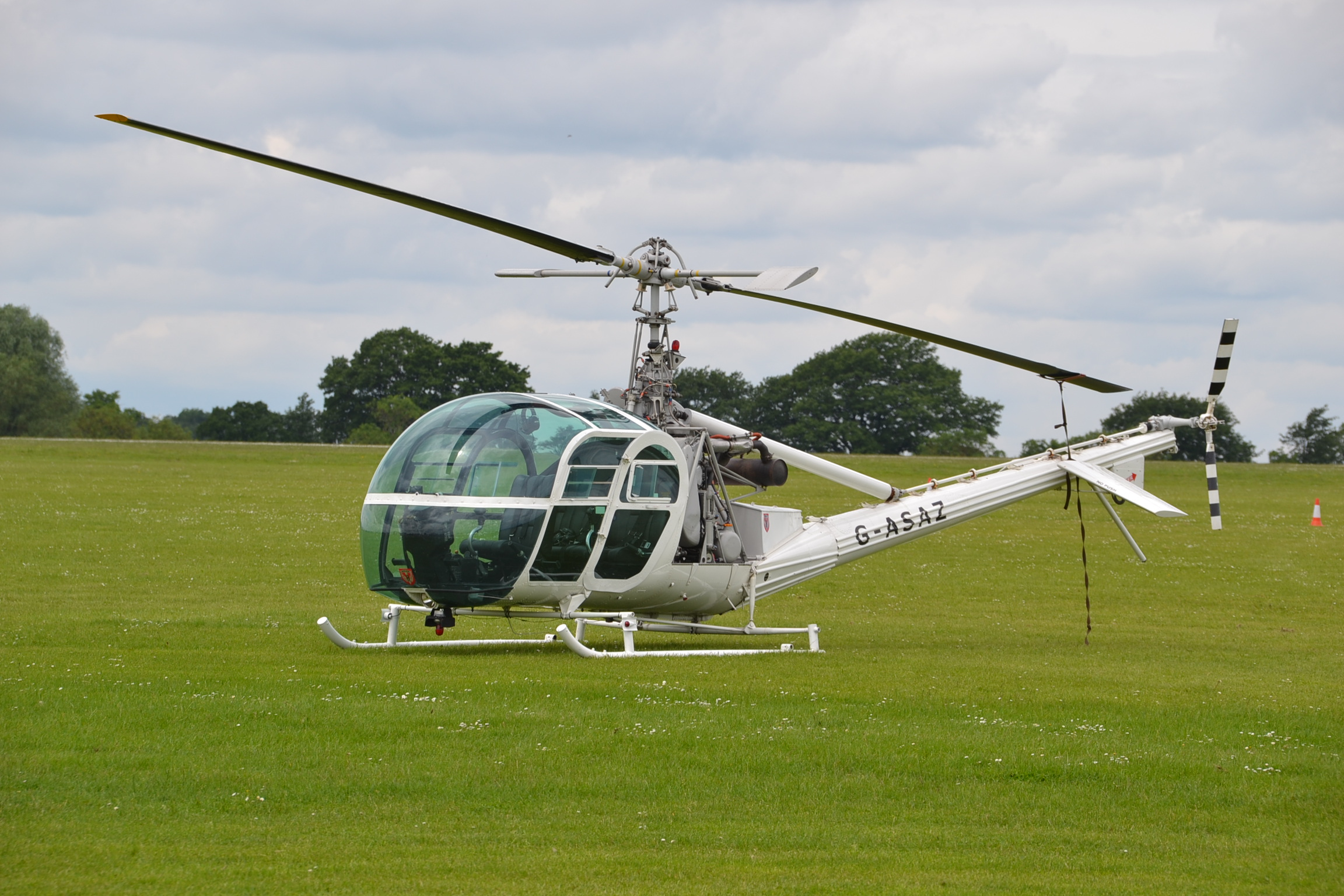 AIRSHOW NEWS: Old Buckenham Airshow reunites two stars of Goldfinger after 50 years